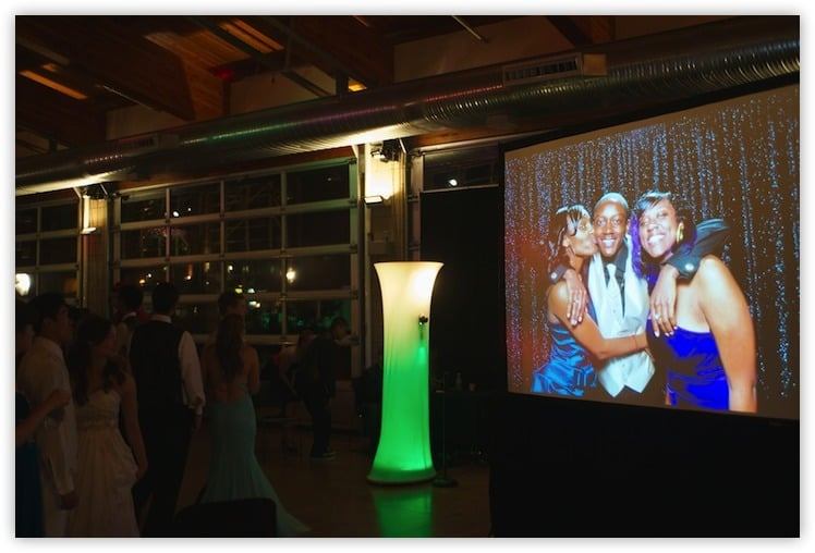 1000 Words Photo booth kiosk and projection screen - school function